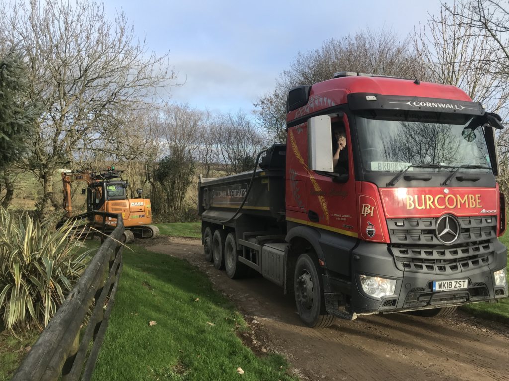 8Wheel Tipper, Haulage