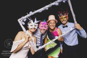 Le meilleur du Crazy Photobooth d'un mariage au château de l'Ile en Alsace !