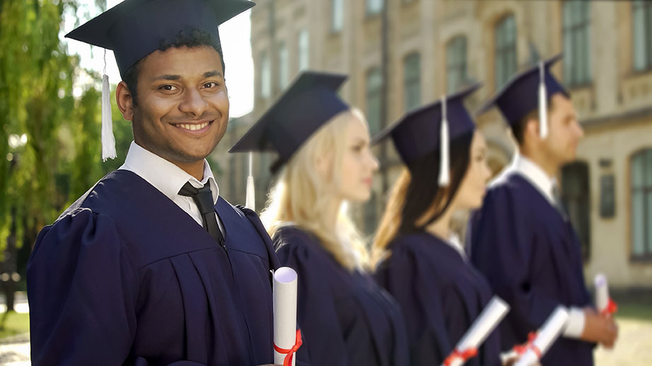 BSc (Hons) Accounting and Financial Management with Foundation Year