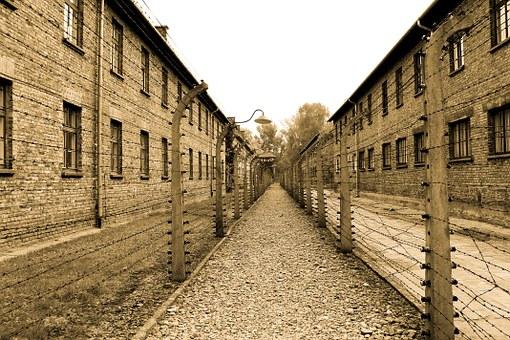 Topovske šupe – Prvi koncentracioni logor u Beogradu na Autokomandi