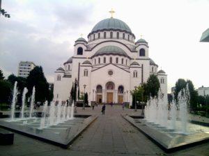 Beogradska zima : Božićno seoce ispred Hrama Svetog Save