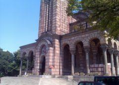 Spomenik patrijarhu Pavlu kod crkve Svetog Marka