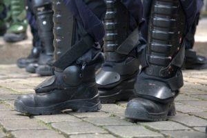 Policija počela da reaguje,ali bez primene sile