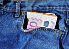 Prosečni mesečni prihodi po domaćinstvu 62.831 dinar