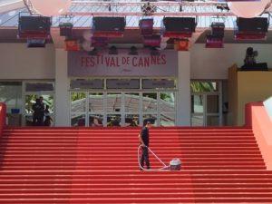 Eva Longoria samouvereno na crvenom tepihu Kanskog festivala