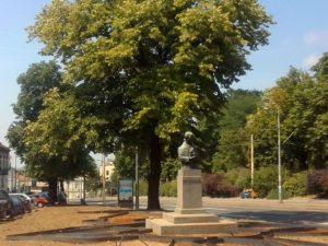 Ulepšavanje skvera oko spomenika Milana Rakića