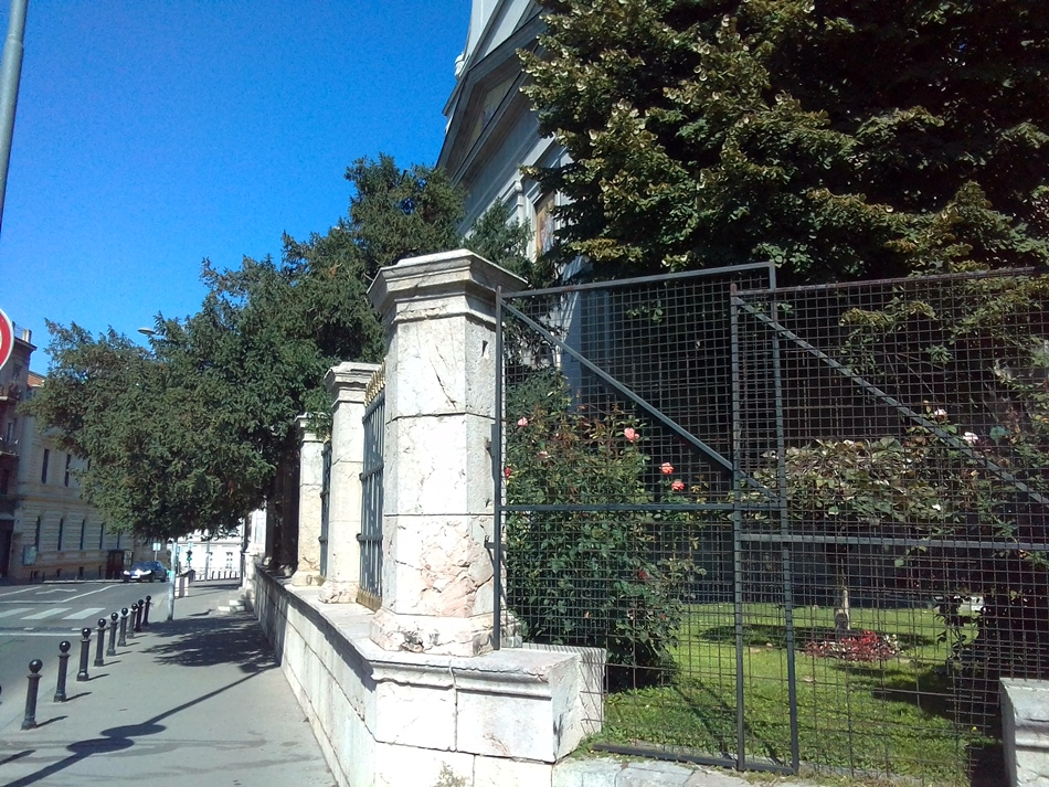 Dve tise Saborne crkve u Beogradu