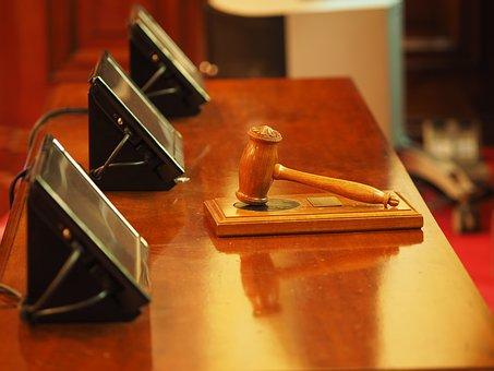 Sudovi i tužilaštva smanjuju obim procesa rada