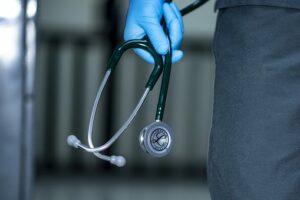 U 20 sati aplauz za naše medicinske radnike