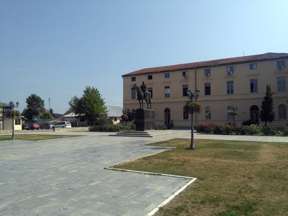 Spomenik vojvodi Živojinu Mišiću u Mionici