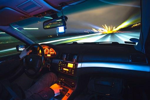 Zaustavljen vozač zbog nasilničke vožnje u alkoholisanom stanju