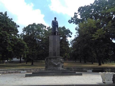 Spomenik Karađorđu u Topoli