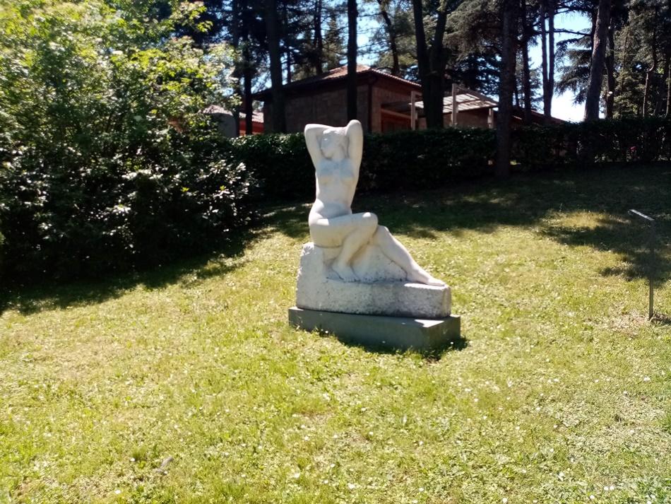 Skulptura Buđenje u Beogradu