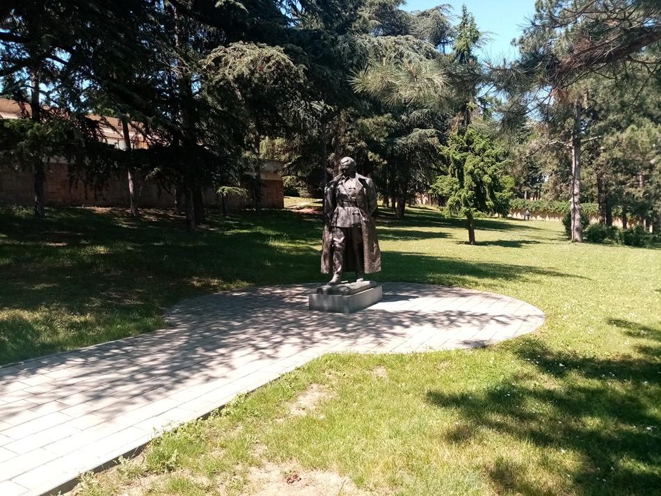 Spomenik Maršalu Titu 1948.godine