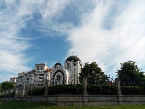Crkva Svete Petke na Čukaričkoj padini