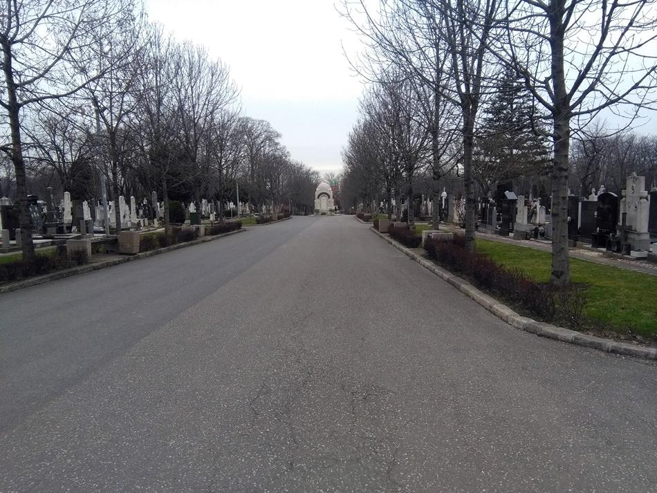 Zabranjen ulaz motornim vozilima na groblja