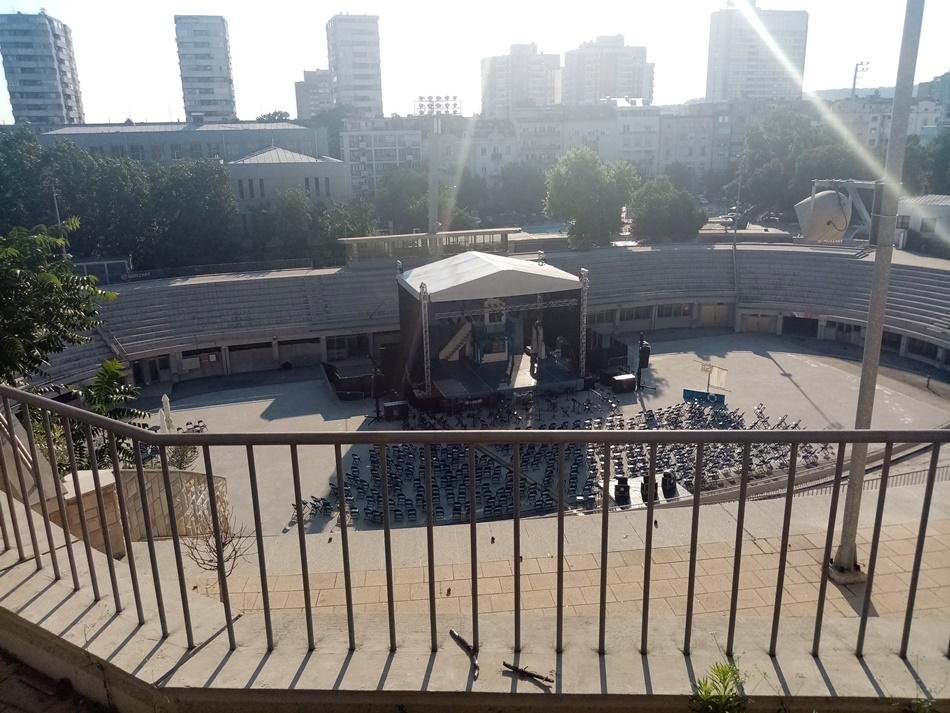 Zaustavlja se pozorišni program Beogradske letnje scene na Tašu