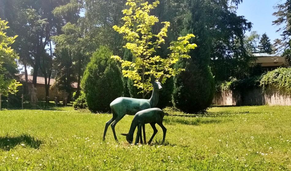 Skulptura Srna sa lanetom u Beogradu