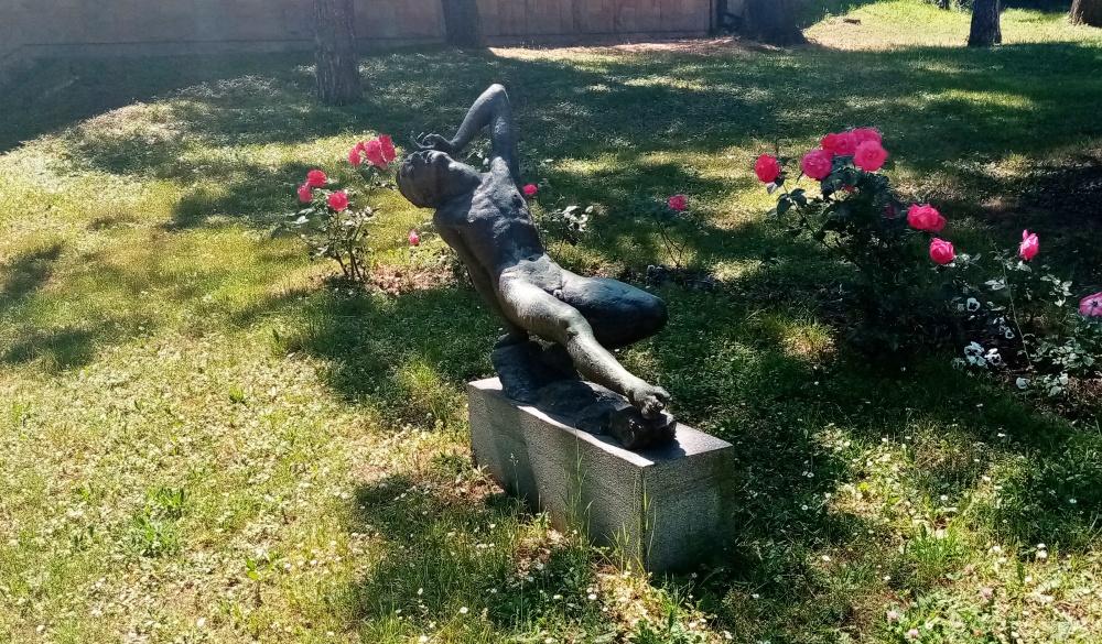 Skulptura Ranjeni kurir u Beogradu