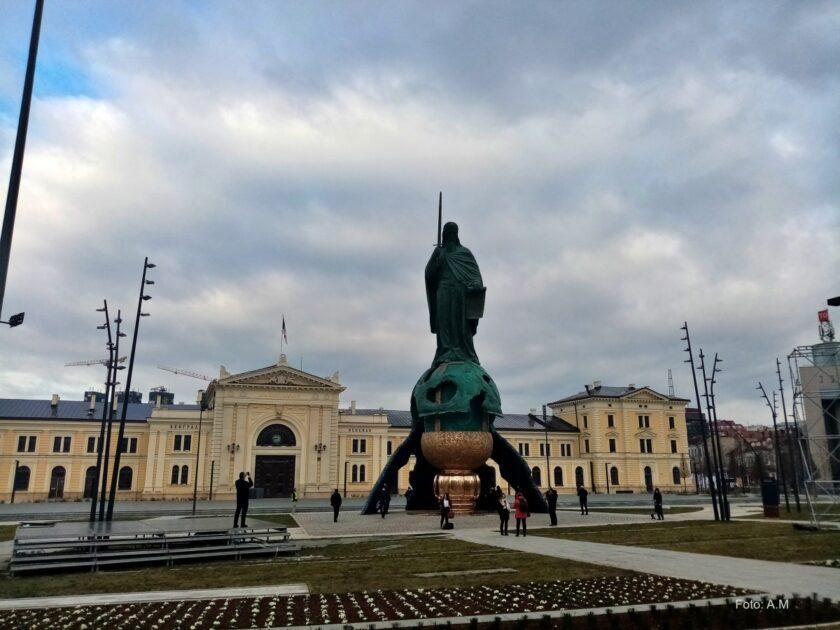 Oskrnavljen spomenik Stefanu Nemanji