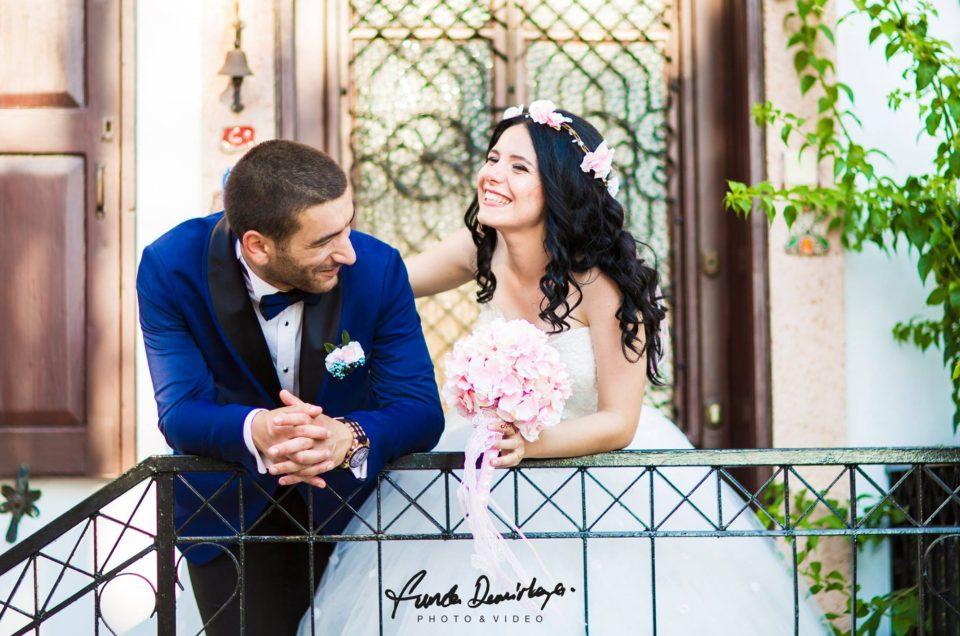 Çisem ve Mert Cunda adası katalog fotoğraf çekimi dış çekim düğün fotoğrafçısı