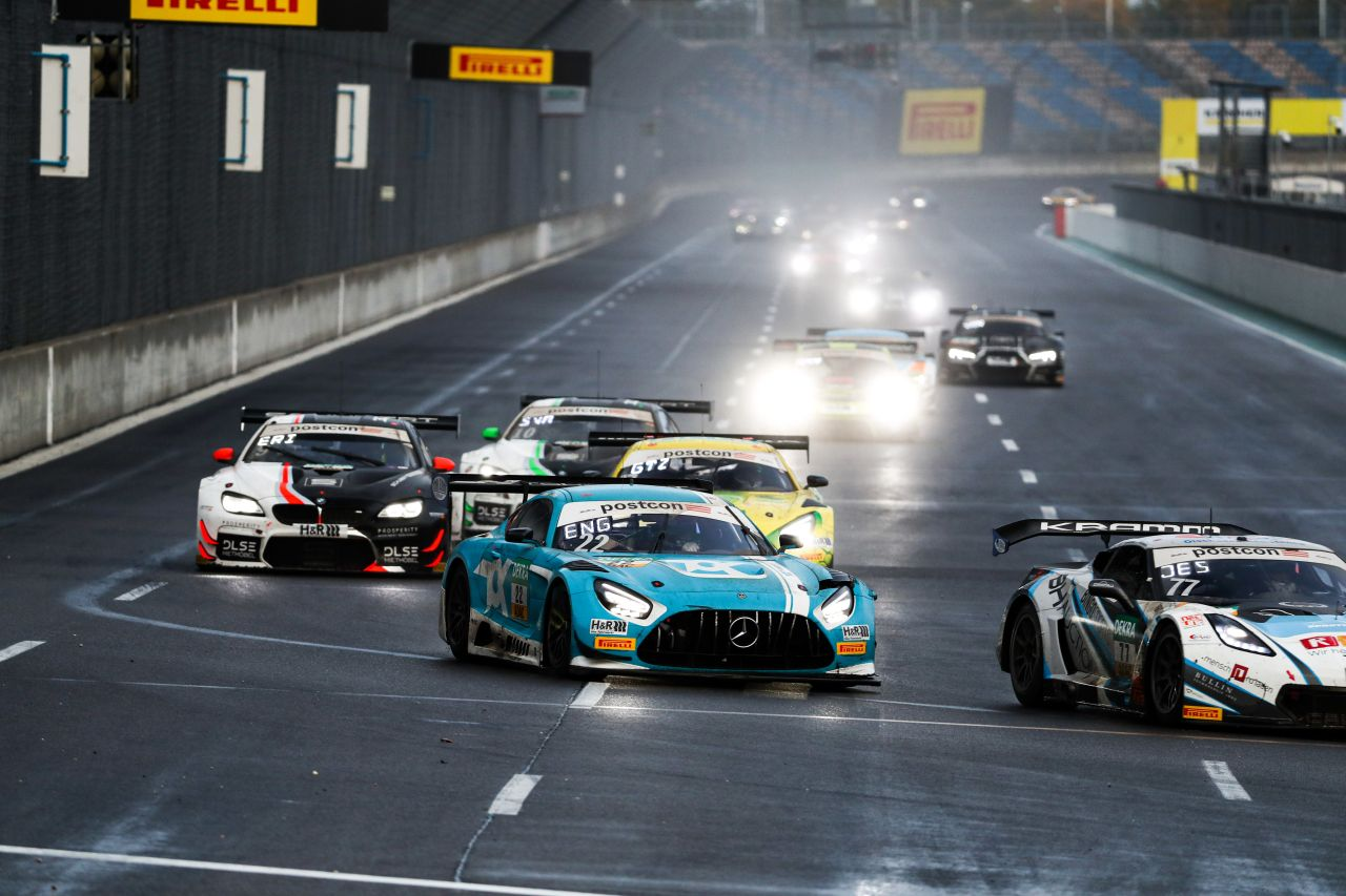 Toksport WRT still fights for the title