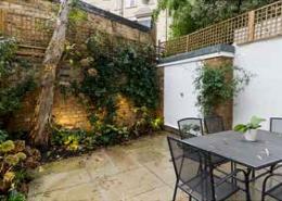 Cadogan Lane, Knightsbridge, SW3, 3,4 Bedroom House for sale, Garden