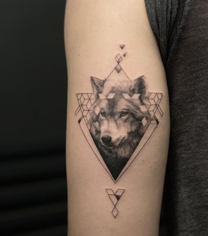 geometric wolf tattoo design