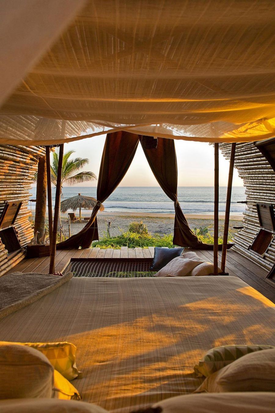beachside treehouse