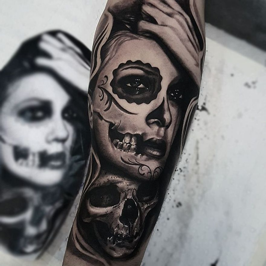 black and gray tattoo