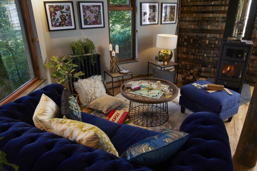 cozy treehouse getaway