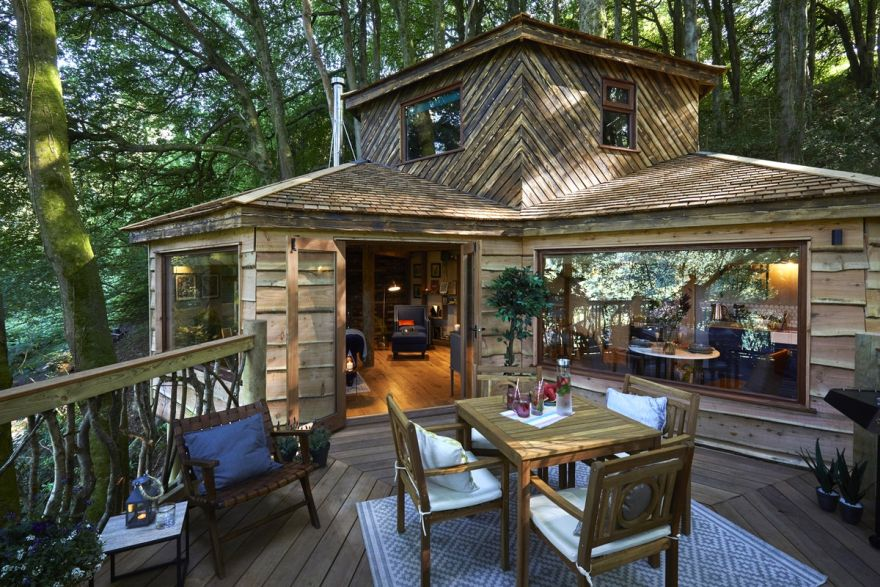 handcrafted treehouse