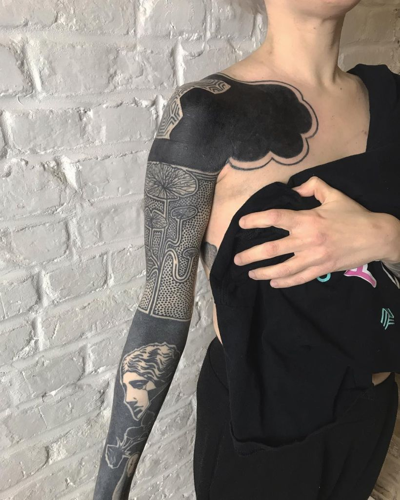 solid black tattoo ideas for women
