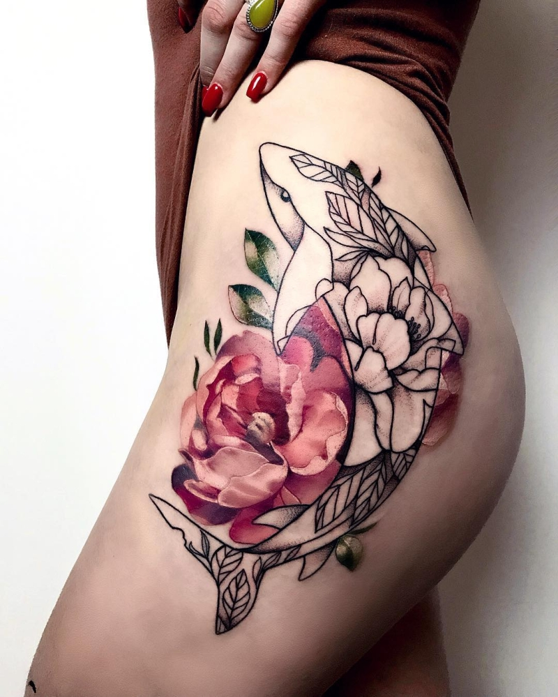 creative hip tattoo