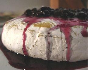 baked brie blueberry chutney
