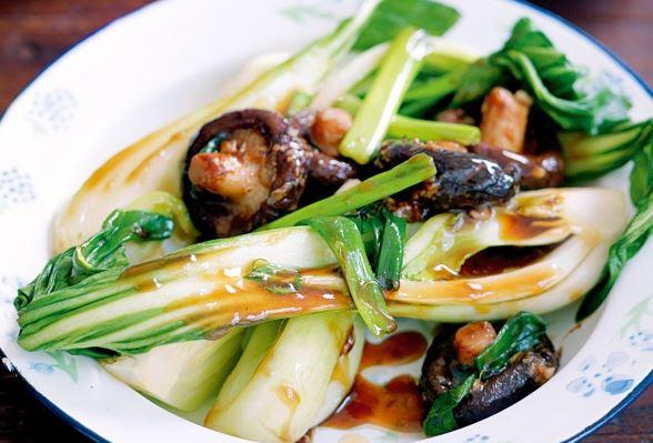 Stir-fried bok choy with shiitake mushrooms