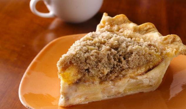 Apple and sour cream pie