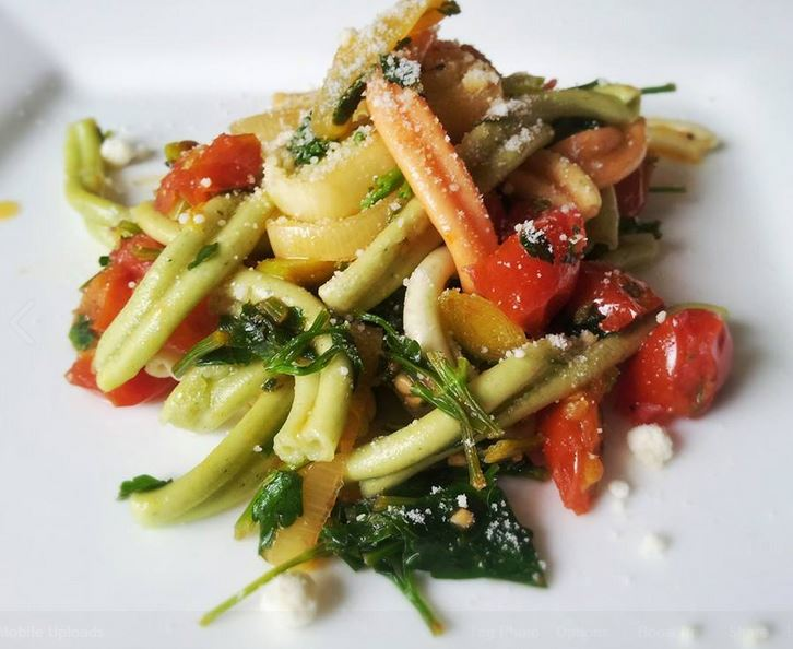 Casarecce with sautéed leeks and tomatoes