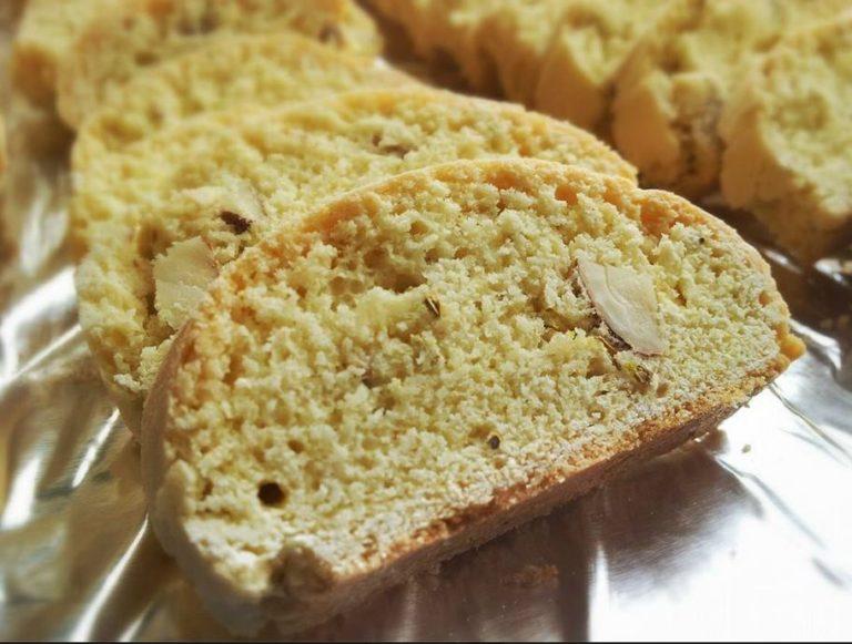 almond-fennel-biscotti