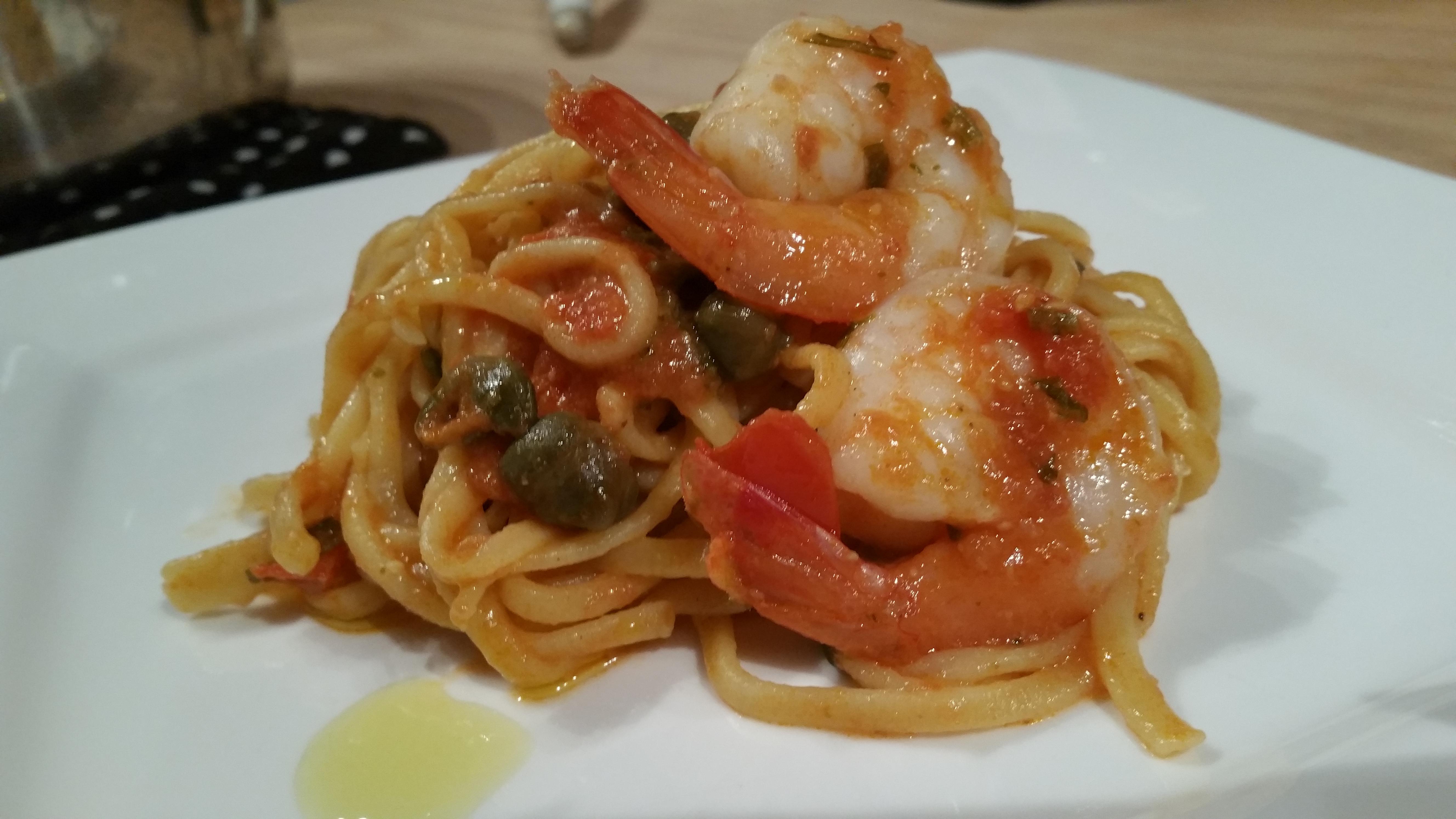 Shrimp in tomato and caper sauce