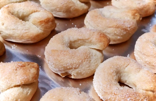 A very Italian cookie – Taralli ubriachi