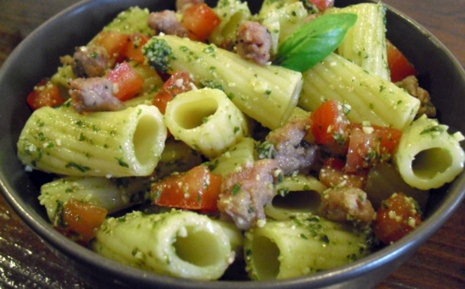 Sausage and tomato penne rigati salad