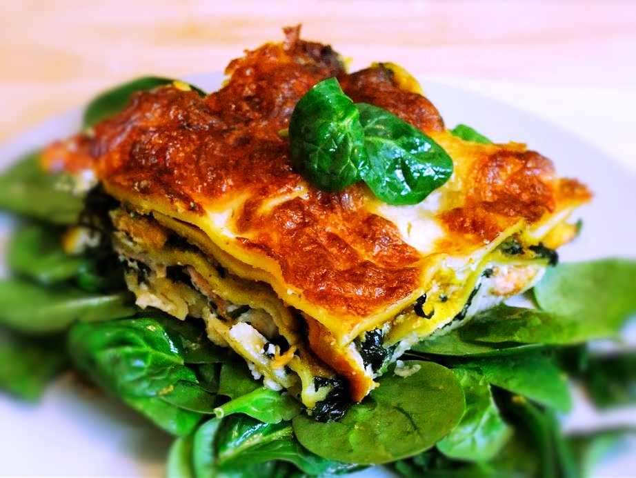 Smoked salmon lasagne with spinach