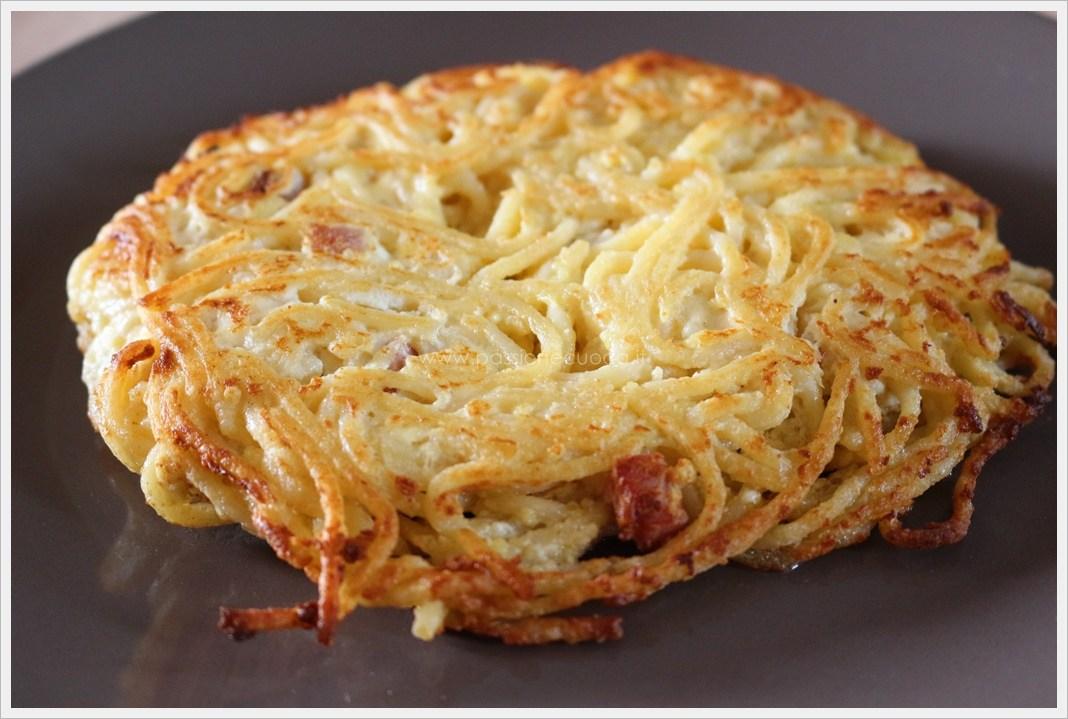 Spaghetti and bacon pie