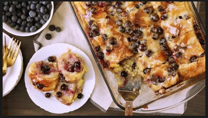 Baked French toast with blueberries and mascarpone