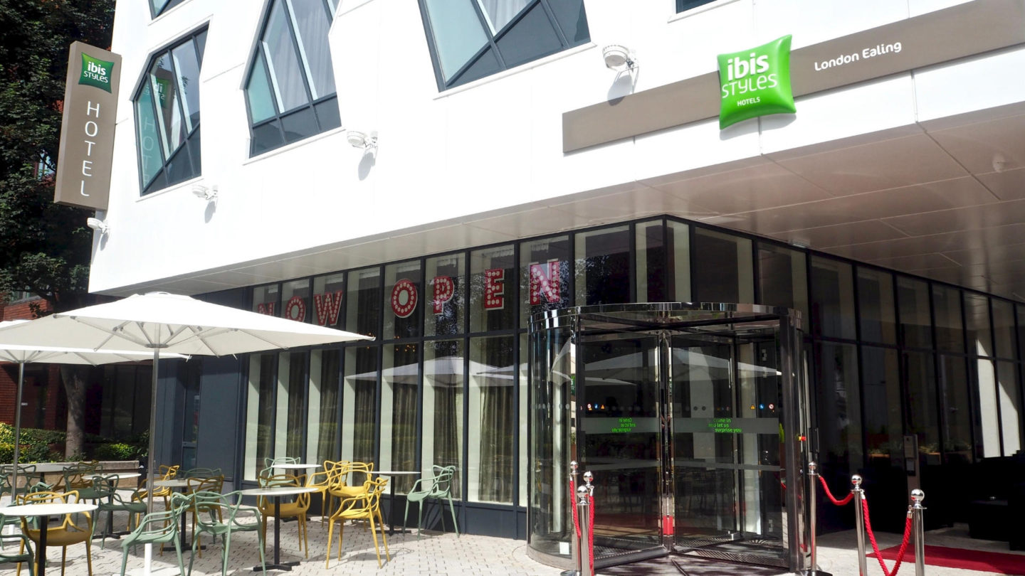 A Night At Ibis Suits Hotel, Ealing || Travel