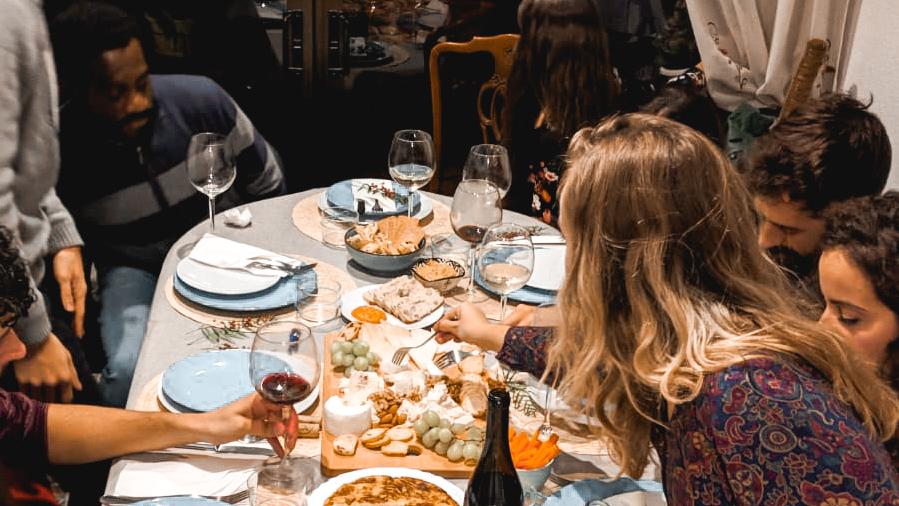 cena-amigos-hygge