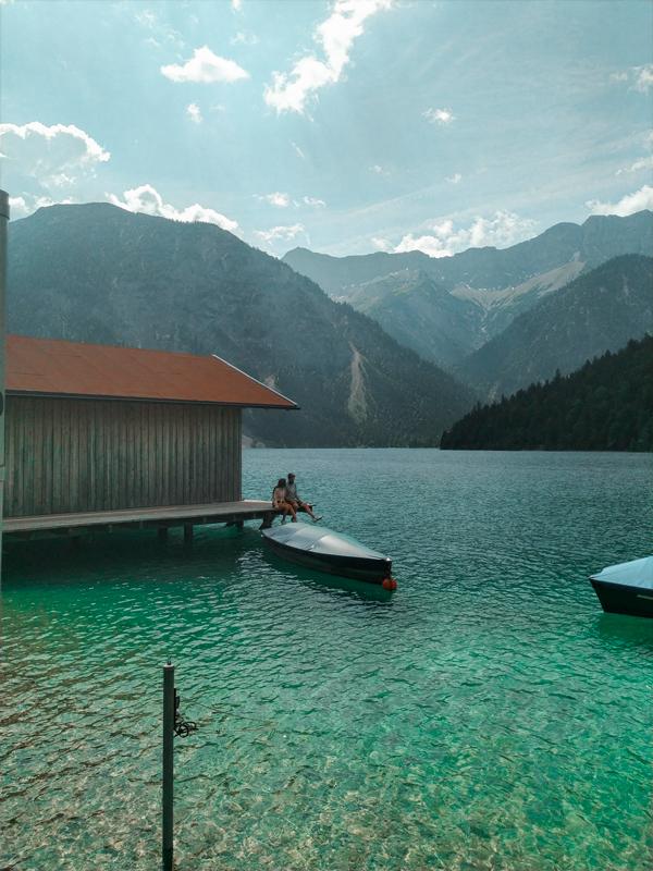 lago-tirol-alpes
