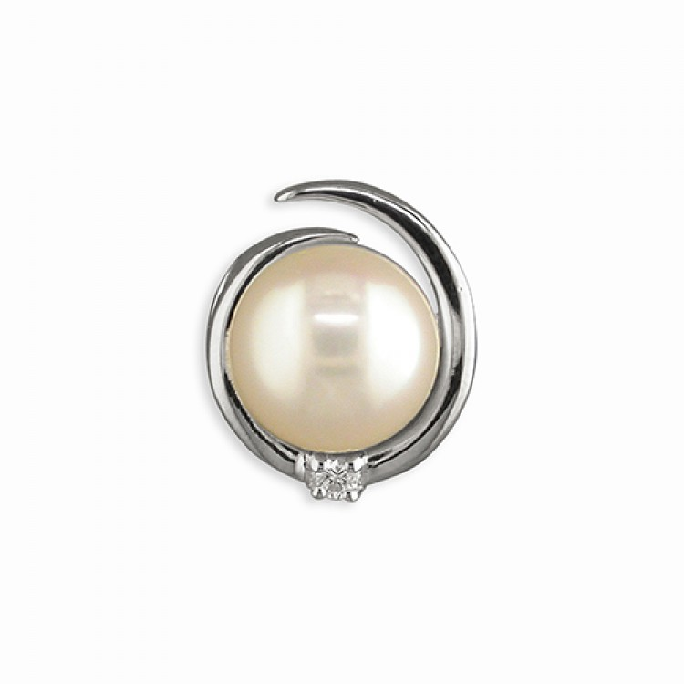 White fresh water pearl in cubic zirconia loop