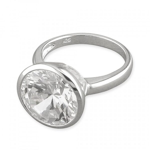 Large rub-over cubic zirconia solitaire